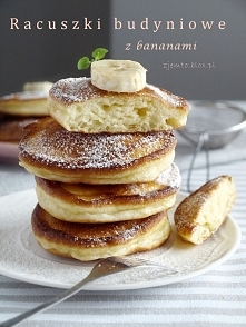 Racuszki budyniowe z bananami   Składniki: (na 10-12 sztuk) 1 szklanka jogurt...