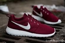 Mam do sprzedania buty Nike roshe run, cena 40zł + przesyłka. Rozmiar 40, but...