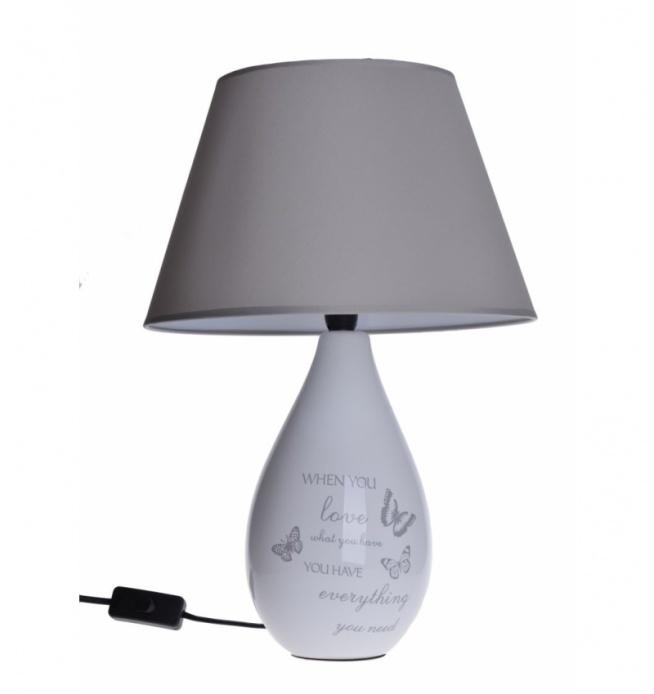 Lampa stołowa z ceramiczną podstawą z motywem motyli i napisów. Abażur lampy wykonany z tkaniny w kolorze szarym. Kabel czarny o długości ok 1 m. Piękna i stylowa lampa do salonu lub na korytarz również jako lampka nocna do sypialni.