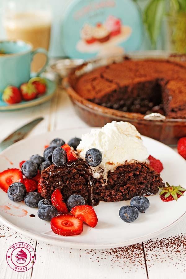 Ciasto czekoladowe z sosem - Wypieki Beaty