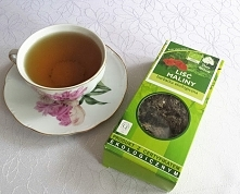 Herbata z liści malin na ła...