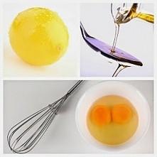 Maseczka na wypadające włosy: jajko+ olejek rycynowy2 żółtka2 łyżki olejku rycynowegosok z 1/2 cytryny  Żółtka oddzielamy od białek, mieszamy w miseczce z pozostałymi składnik...