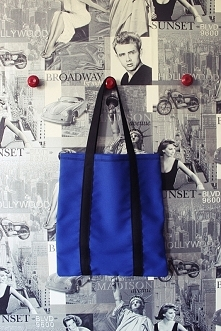 Kolorowe torby - idealne na podręczne rzeczy podczas wyjścia z domu! :)) Cena: 10zł + ew. koszt przesyłki. Wykonuję torby w różnych kolorach i rozmiarach! zapraszam! :)) Info: s...