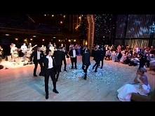 Atrakcyjny taniec na wesele:)  GENIALNE :D