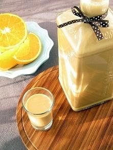Likier kajmakowo–pomarańczowy  Składniki 1 puszka gotowej masy kajmakowej (54...