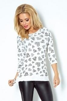 Wygodna bluza uszyta z przyjemnego w dotyku materiału - wzór serca - love. Bluza została przyozdobiona kieszonką oraz gustownym wiązaniem. Produkcja numoco. KLIKNIJ W ZDJĘCIE