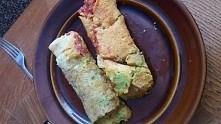 Dzisiejszy vege obiadek czyli pyszne soczewicowe naleśniczki z puree z groszku i salsą pomidorową ❤❤