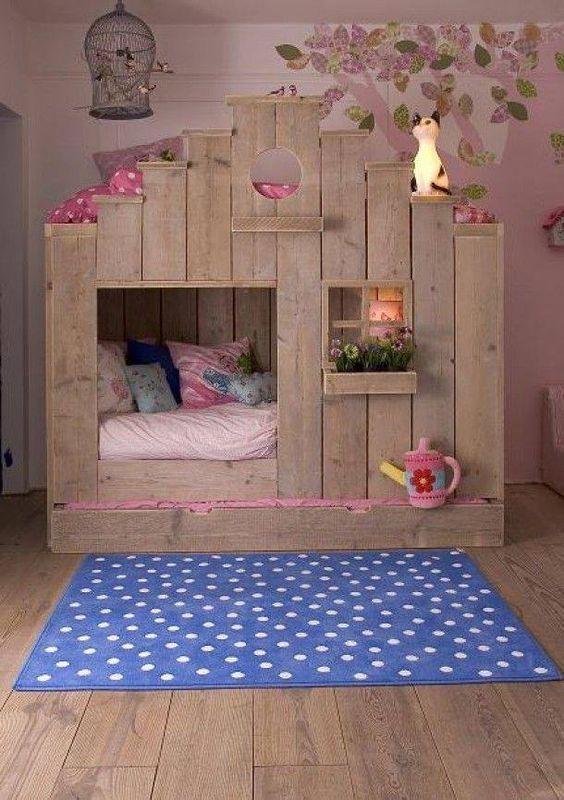 Stylowe łóżko dla dziewczynki