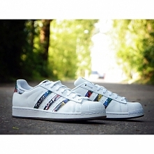 ADIDAS SUPERSTAR TONGUE LAB...