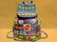 Piękny plecak w modny folko...