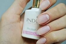 Paznokcie przedłużone bazą hybrydową :) Stosujecie taki trik? Ja zmieniłam żel na bazę proteinową Indigo - bardzo podobny efekt, ale kondycja paznokci znacznie lepsza :) Zdjęcie...