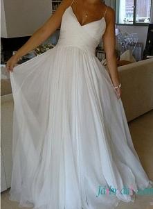 Prosty szyfonowa suknia ślubna