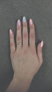 Paznokcie wykonane przeze mnie :) Piękny róż oraz ombre na palcu serdecznym i...