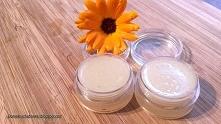 Balsam do ust DIY: sprawdzony sposob na domowy kosmetyk: Składniki:      kawałek plastra miodu lub 1 łyżka wosku pszczelego.     1 łyżeczka oleju kokosowego     1 łyżeczka oliwy...
