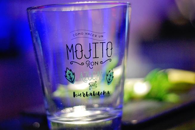 Przepis na idealne mojito plus parę alternatywnych smaków (m.in. cukierkowe, szampańskie, niebieskie czy ogórkowe)