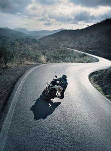 Podróżować to żyć.