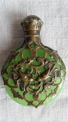 Zielona butelka do perfum,1880