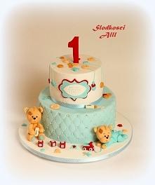 Tort na roczek Wszystkie dekoracje wykonuję sama z cukru.