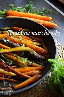 Smażona kolorowa marchewka
