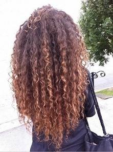 Dziewczyny, co polecanie na suche, zniszczone farbowaniem kręcone włosy? Stra...