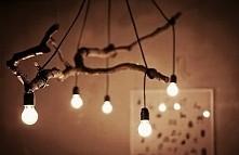 Kreatywnie oświetlony pokoi...