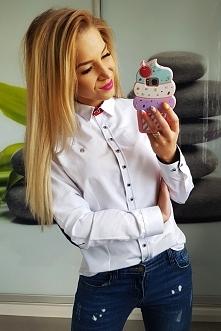 Idealna biała koszula, do pracy, na rozpoczęcie roku, super wcięcie w talii --> fashionata.pl