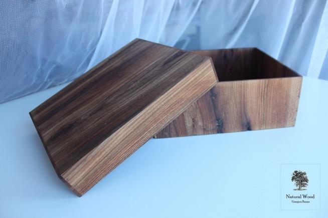 Pudełko ozdobne Wykonanie ręczne, drewno dąb.