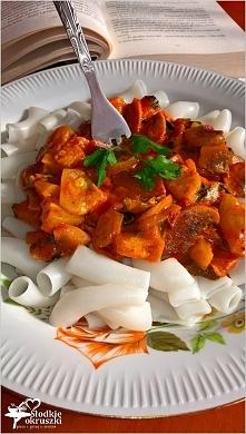 Makaron ryżowy z sosem kabaczkowo-pieczarkowym. Pyszny i lekki obiad w kilka ...