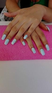 Przedłużane paznokcie metodą żelową :) Błękit wprost na upalne dni a dla leps...