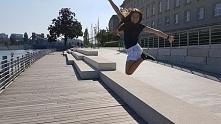 Jump girl jump !