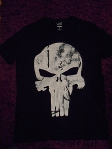 Pierwsza ręcznie malowana koszulka :) na cel wzięty Punisher