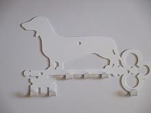 Dla tych co lubią psy a klucze chcą mieć w jednym miejscu :) Można też wykorzystać jako wieszak na smycz :)