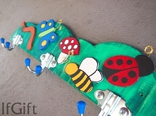 wieszak na dziecięce ubrania (mojej produkcji)