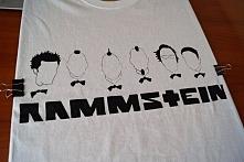 Rammstein. Koszulka ręcznie malowana specjalnymi farbami do tkanin, które nie...