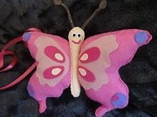 Kolorowy motyl. Wszystkie elementy z filcu, wypełniony kulką sylikonową. Więcej na aszir.blogspot.com i na fb Artystyczne szycie i rękodzieło:)