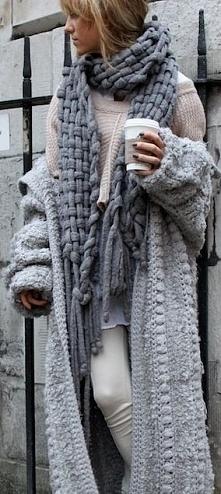długi sweter i super szalik