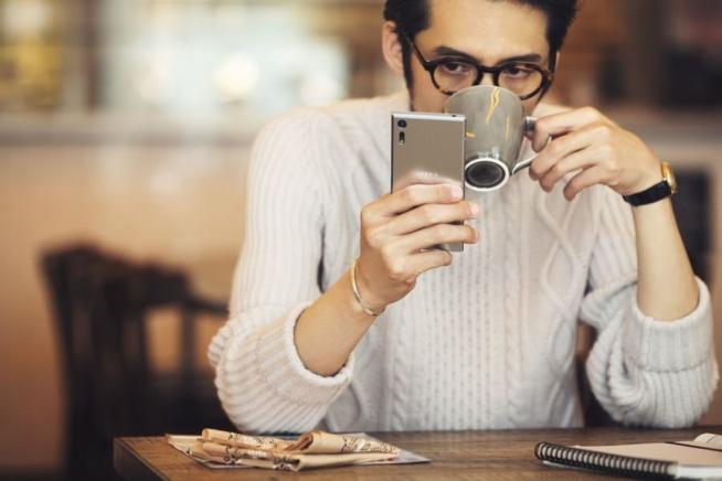 Sony Mobile przedstawia dwa niezwykłe modele w serii swoich najnowszych smartfonów Xperia X. FlagowyXperia XZ oraz premium Xperia X Compact kontynuują wizję przedstawioną w lutym na targach MWC i oferują jeszcze bardziej inteligentne i spersonalizowane opcje użytkowe