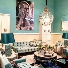Niebieski salon w stylu Modern Classic
