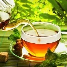 Zielona herbata a włosy ;) Po dlugiej przerwie wracam z nowosciami ktore sama przetestuje na swoich uciazliwych wlosach :D