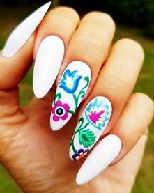Uwielbiam białe paznokcie!