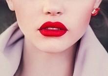 Szukam czerwonej, klasycznej, matowej szminki jaką markę polecacie? Zależy mi...