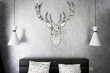 Ciekawy pomysł (teraz dość modny) na ozdobienie ściany. :)