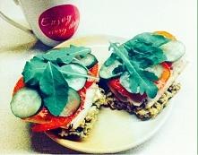 niedzielne sniadanie :-) chlebki z płatków owsianych według własnego przepisu mojej siostry