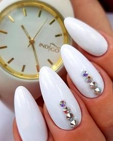 Idealna biel (Gel X-white) i kryształy Swarovskiego ✮ Jak wam się podoba?