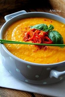 Zupa krem z marchewki i soczewicy z nutą chili. Przepis po kliknięciu w zdjęcie.