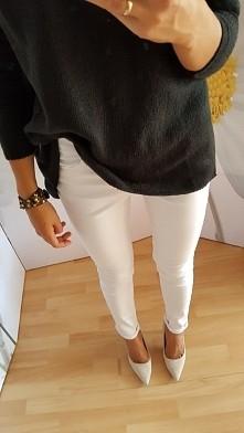 białe spodnie 65 zl