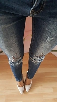 jeansy z ćwiekami 139 zł
