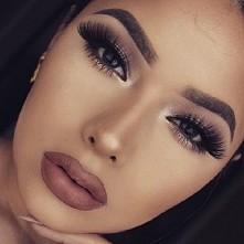 śliczny Makijaż ! te rzęsy ♥