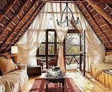 Przeszklona ściana szczytowa, nieformalny salon lub sypialnia czyli jak zaprojektować poddasze w domu, jak urządzić poddasze, aby było nie tylko wygodne, ale również o pięknym d...
