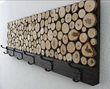 Wieszak z drewniana dekoracja :)